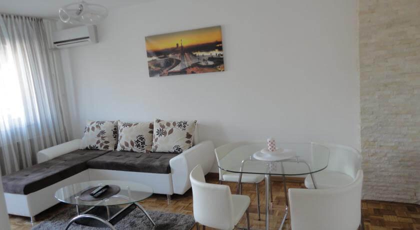 online rezervacije Apartment Arena White
