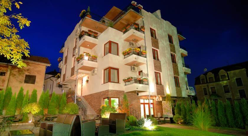 online rezervacije Cvetni Konaci Hotel