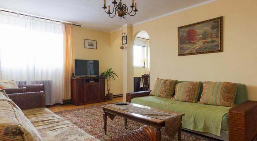 online rezervacije Home Away From Home Apartment