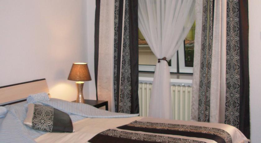 online rezervacije Hostel 021