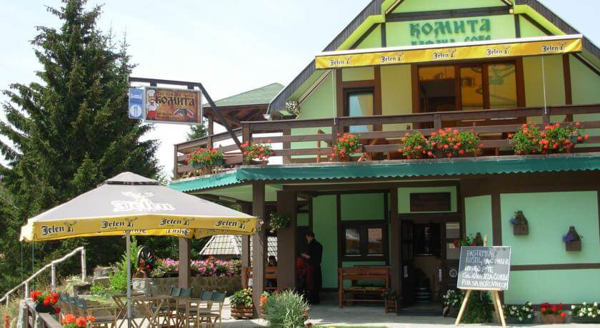 online rezervacije Komita Inn