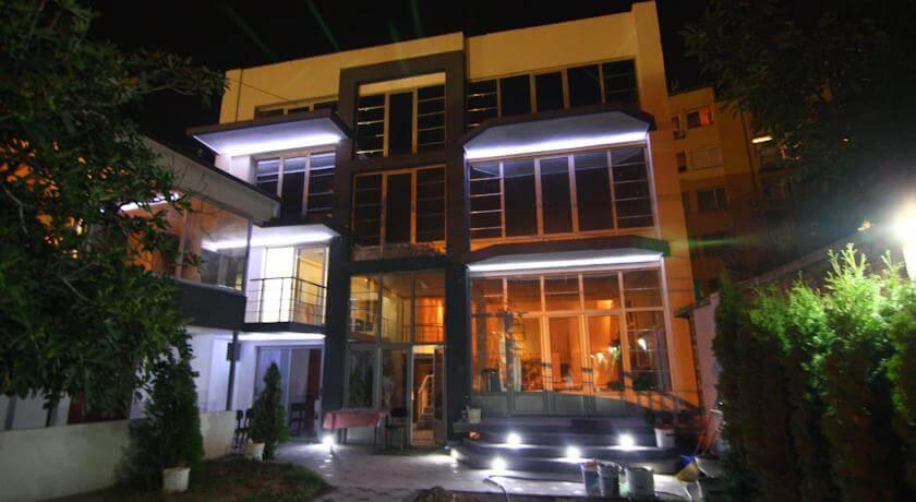 online rezervacije Lira Inn