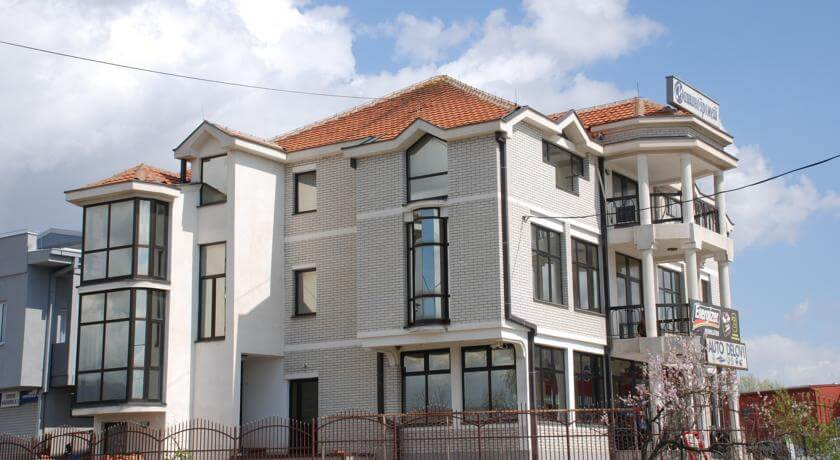 online rezervacije M Garni Hotel