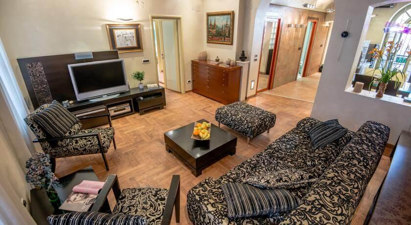 online rezervacije Royal Apartment
