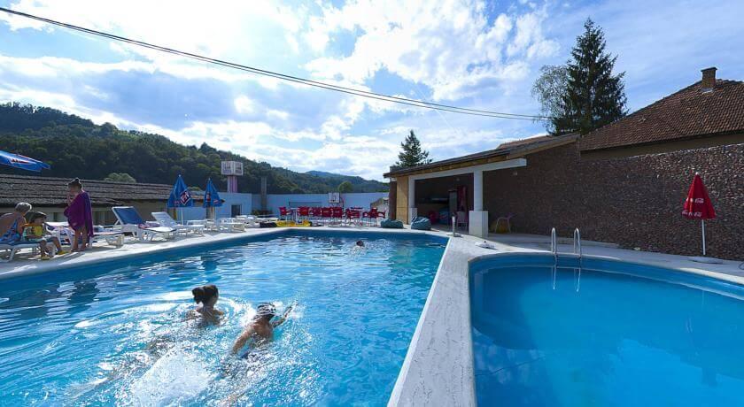 online rezervacije Vila Etna