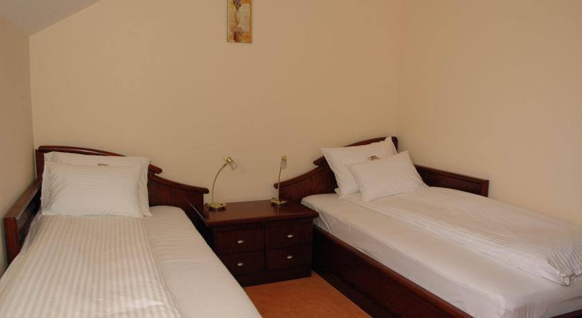 online rezervacije Vila Royal Crown