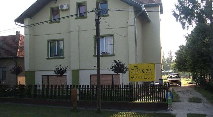 online rezervacije Villa Tron
