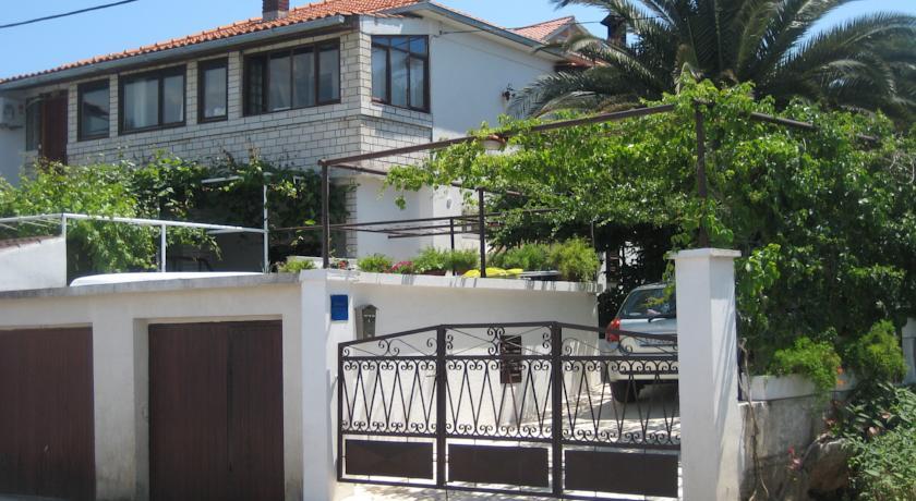 online rezervacije Apartman Antea