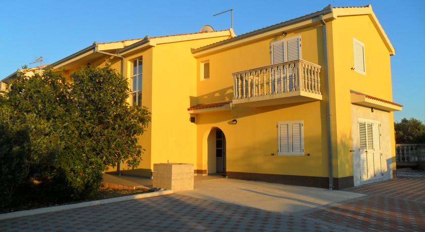 online rezervacije Apartmani Mia - Kanica