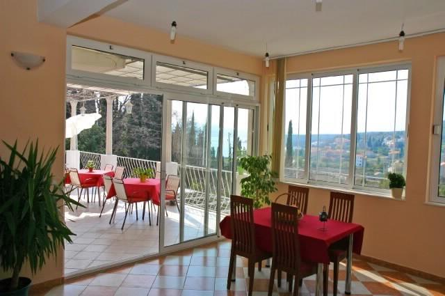 online rezervacije Apartment and Rooms Marija
