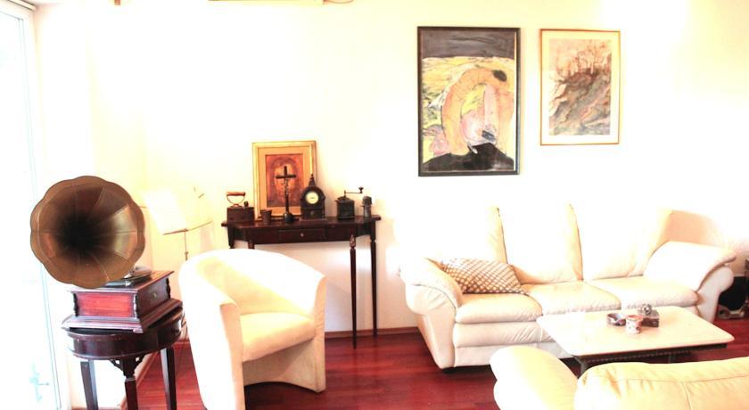 online rezervacije Apartment and Rooms Vilma