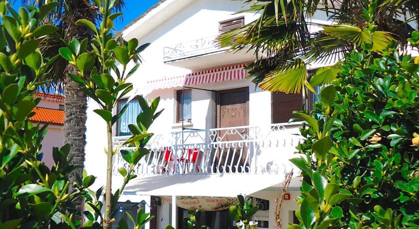 online rezervacije Apartment Azzuro