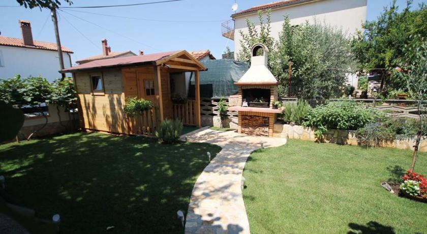 online rezervacije Apartment Boza I Iza