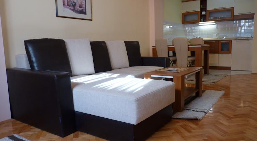 online rezervacije Adeona Apartments