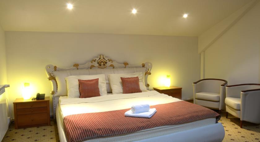 online rezervacije Aristocrat Rooms