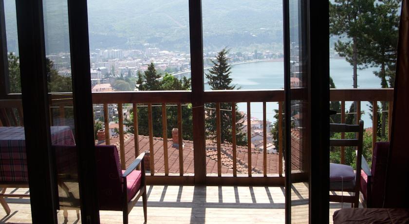 online rezervacije Chardak Apartments