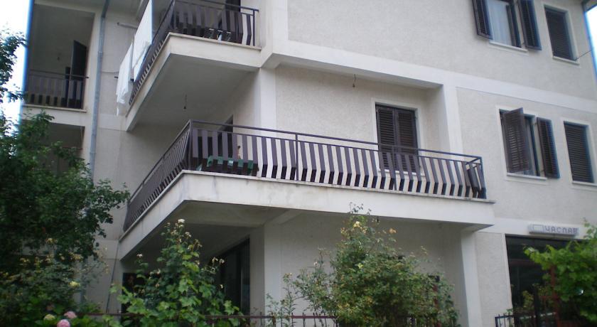 online rezervacije Chaslav Apartments