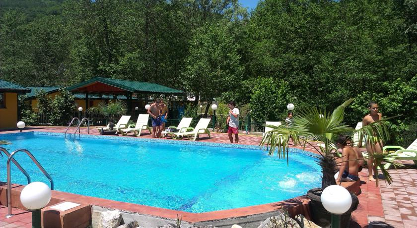 online rezervacije Eko Resort Momir
