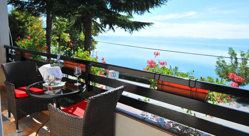 online rezervacije Hotel Dva Bisera