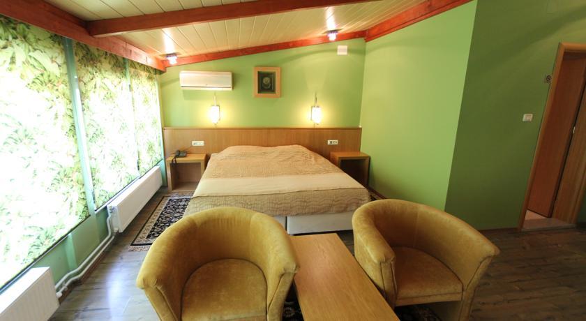 online rezervacije Hotel Lirak