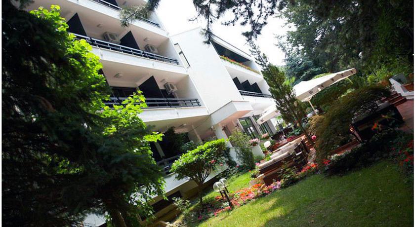 online rezervacije Hotel Pela