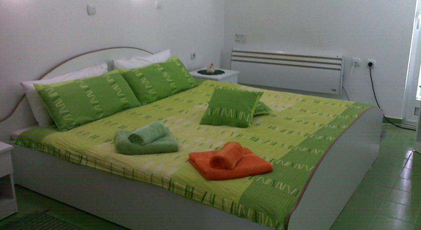 online rezervacije Karoski Apartments & Suites