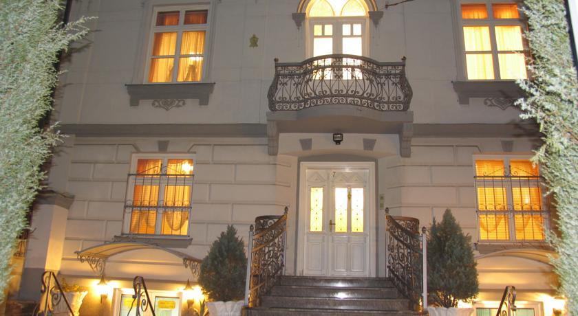 online rezervacije Tokin House