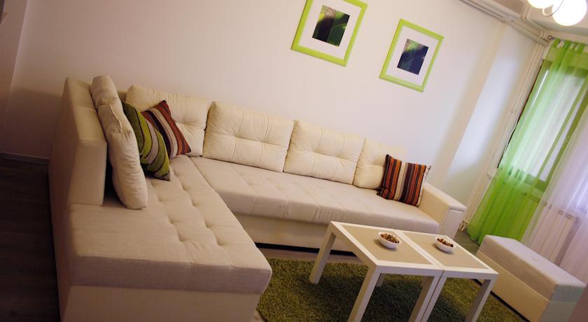 online rezervacije Vladimir Komarov Apartment