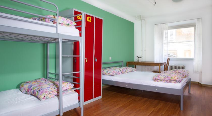 online rezervacije AdHoc Hostel