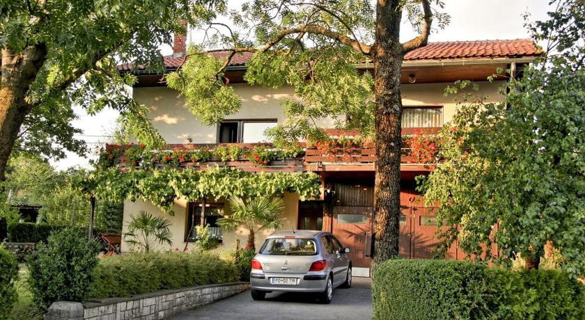 online rezervacije Apartment Grmek