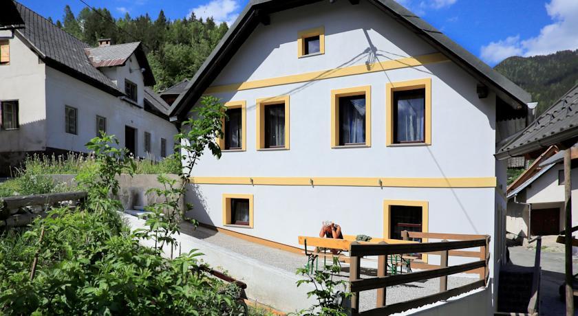 online rezervacije Apartment House Podkoren