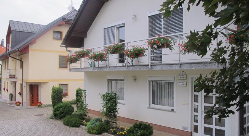 online rezervacije Apartment Sobe Ravbar