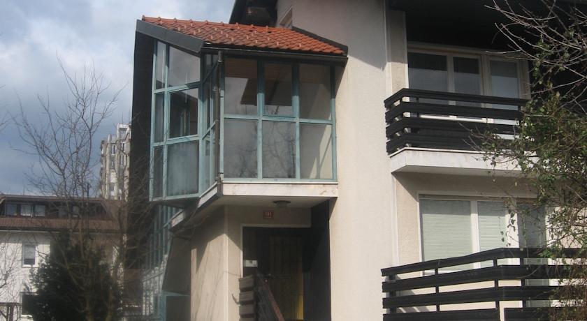 online rezervacije Apartments and Rooms Na poljani