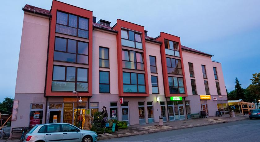 online rezervacije Apartments and Studios Perunika