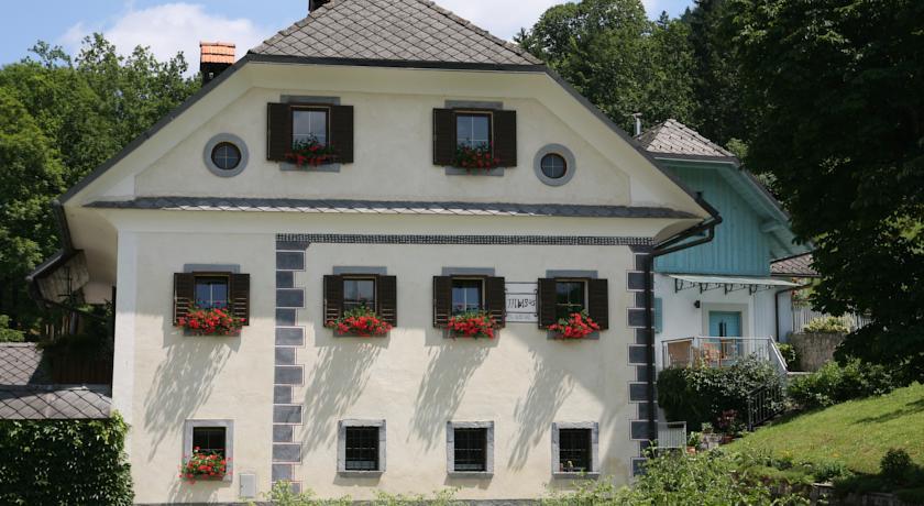 online rezervacije Apartments Cvetje v Jeseni
