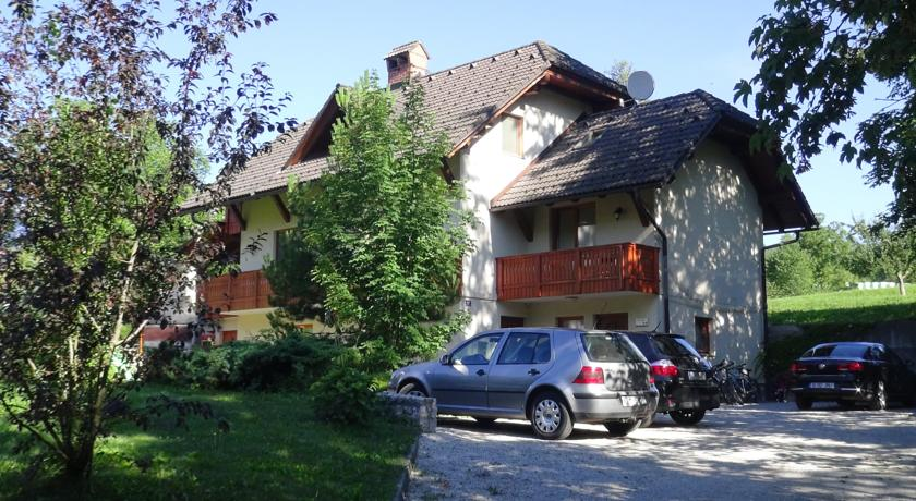 online rezervacije Apartments Valant