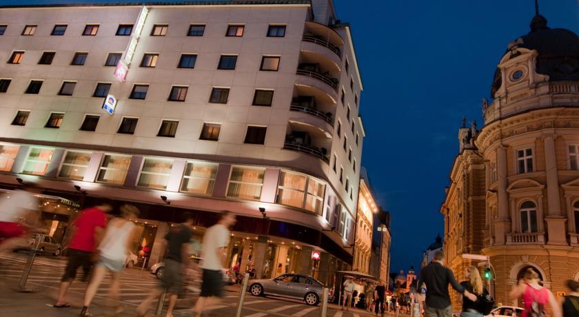 online rezervacije Best Western Premier Hotel Slon