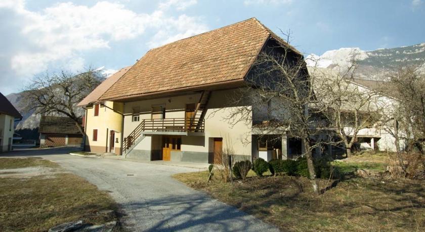 online rezervacije Four-Bedroom House in Bovec I