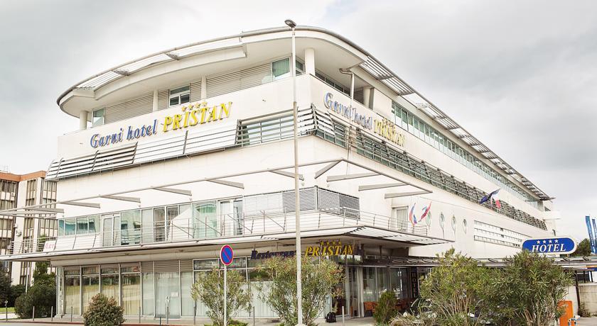 online rezervacije Garni Hotel Pristan