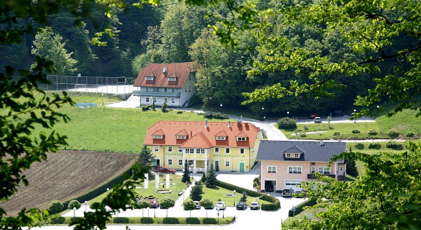 online rezervacije Guesthouse Haler
