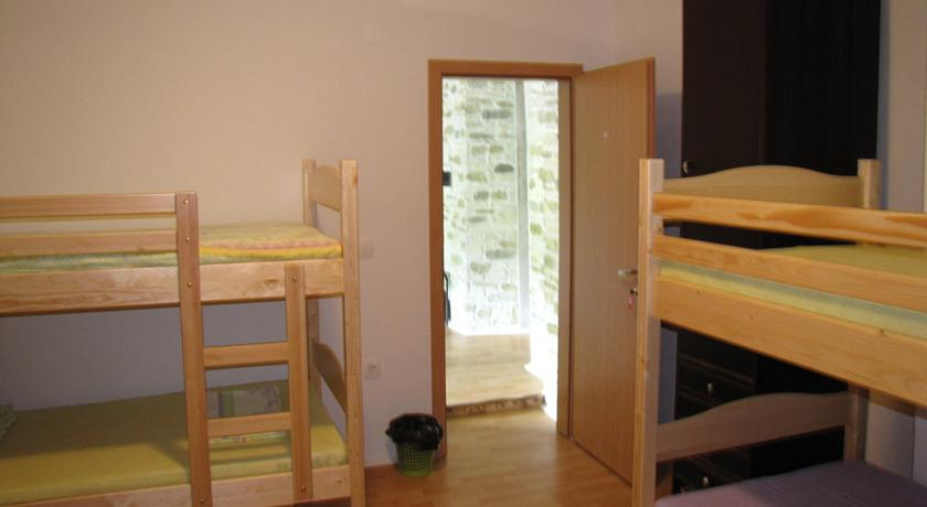 online rezervacije Hostel Jadran