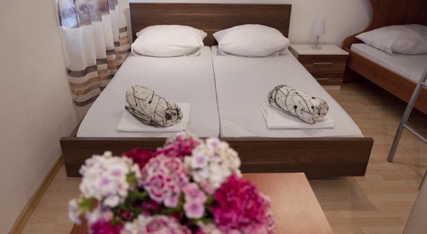 online rezervacije Hostel Pirano