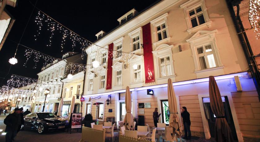 online rezervacije Hotel Actum
