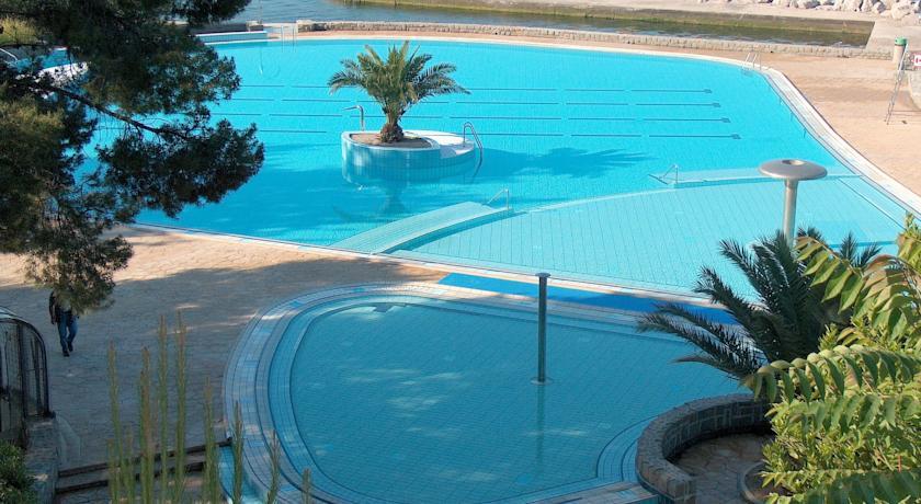 online rezervacije Hotel Arija - Debeli rtič