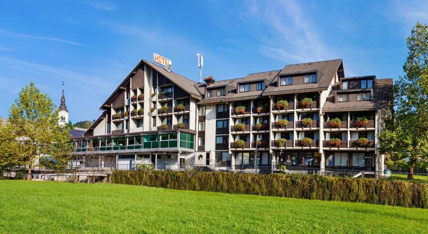 online rezervacije Hotel Cerkno