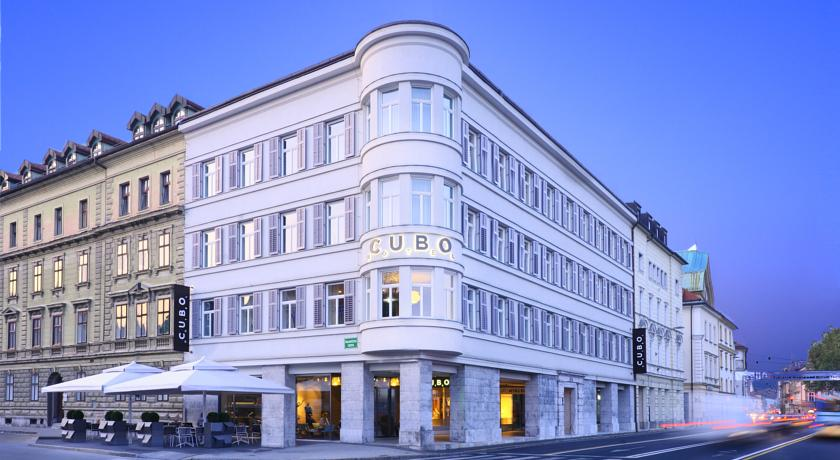 online rezervacije Hotel Cubo