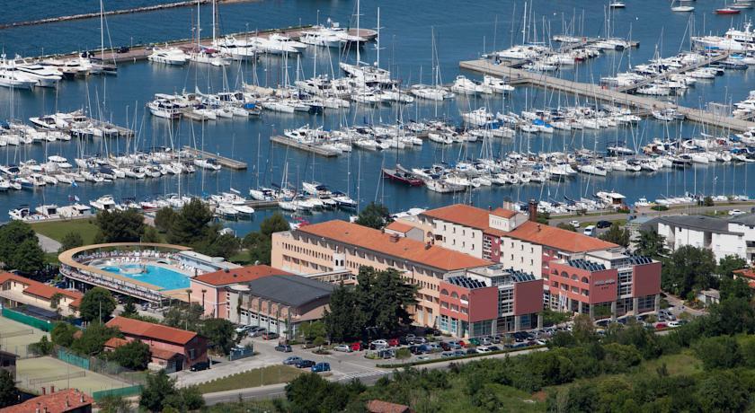 online rezervacije Hotel Delfin