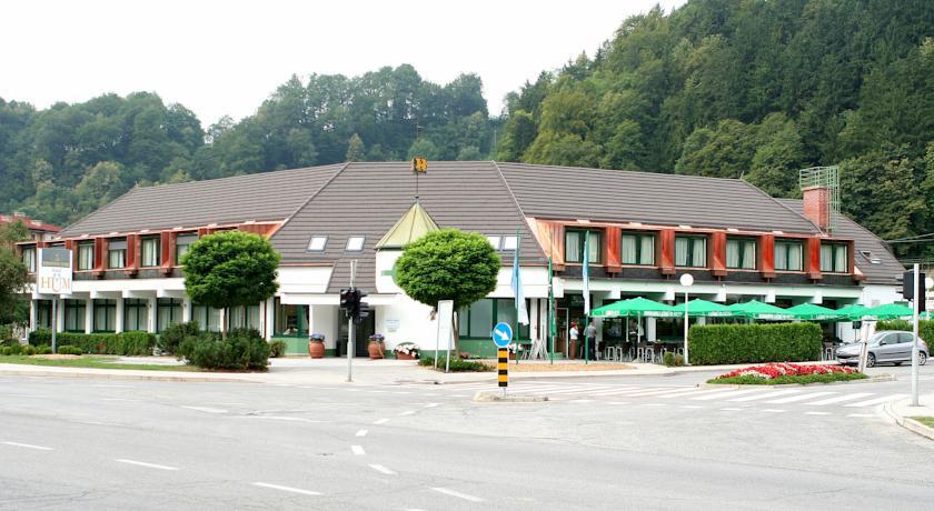 online rezervacije Hotel Hum