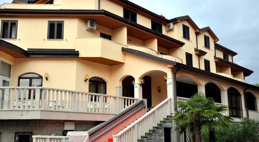 online rezervacije Hotel Oltra