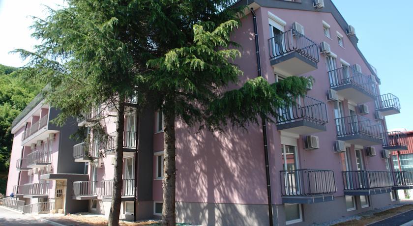 online rezervacije Hotel Pinjola